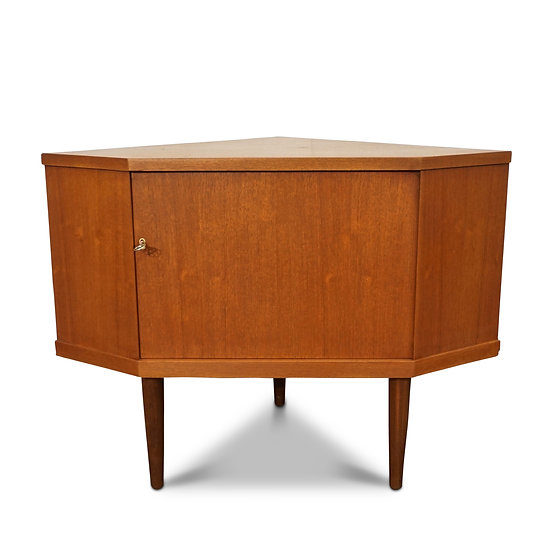 (SOLD) Corner Cabinet - Eldjudnir