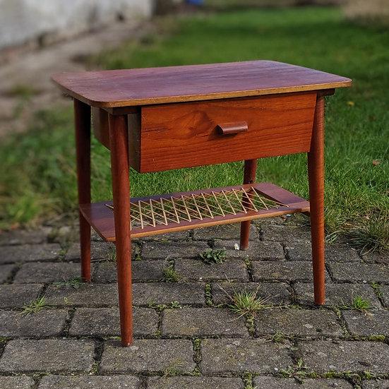 Teak Side Table - Toogfyrre