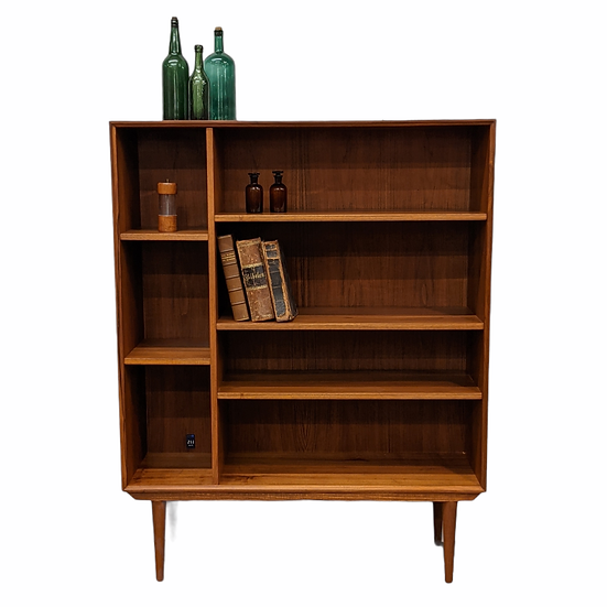 (SOLD) Bookcase - Jelling