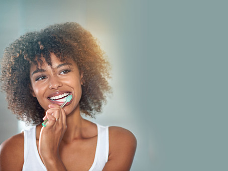 Can crowns or veneers be whitened as part of the teeth whitening process?