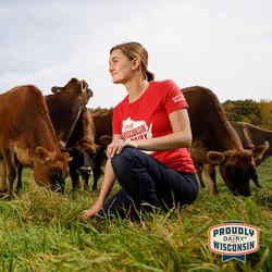 social-farmer-woman-cows-pasture-02-DFW.