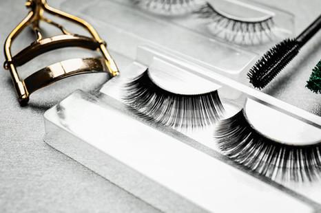 Eyelashes and curler