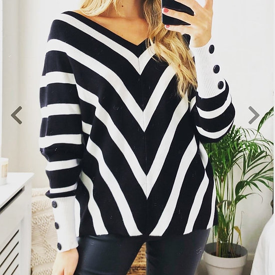 Off shoulder stripped knitted sweater with buttons