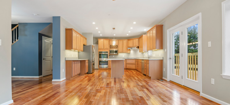 Virtual Staging Available !