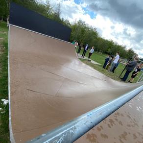 Jongeren bouwen pop-up skatepark tijdens corona bij Minus One in Gent