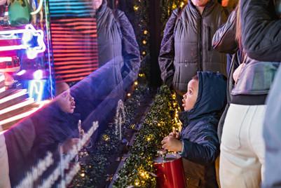 HSQ-2019-Holiday-Windows-by-Bill-Waldorf
