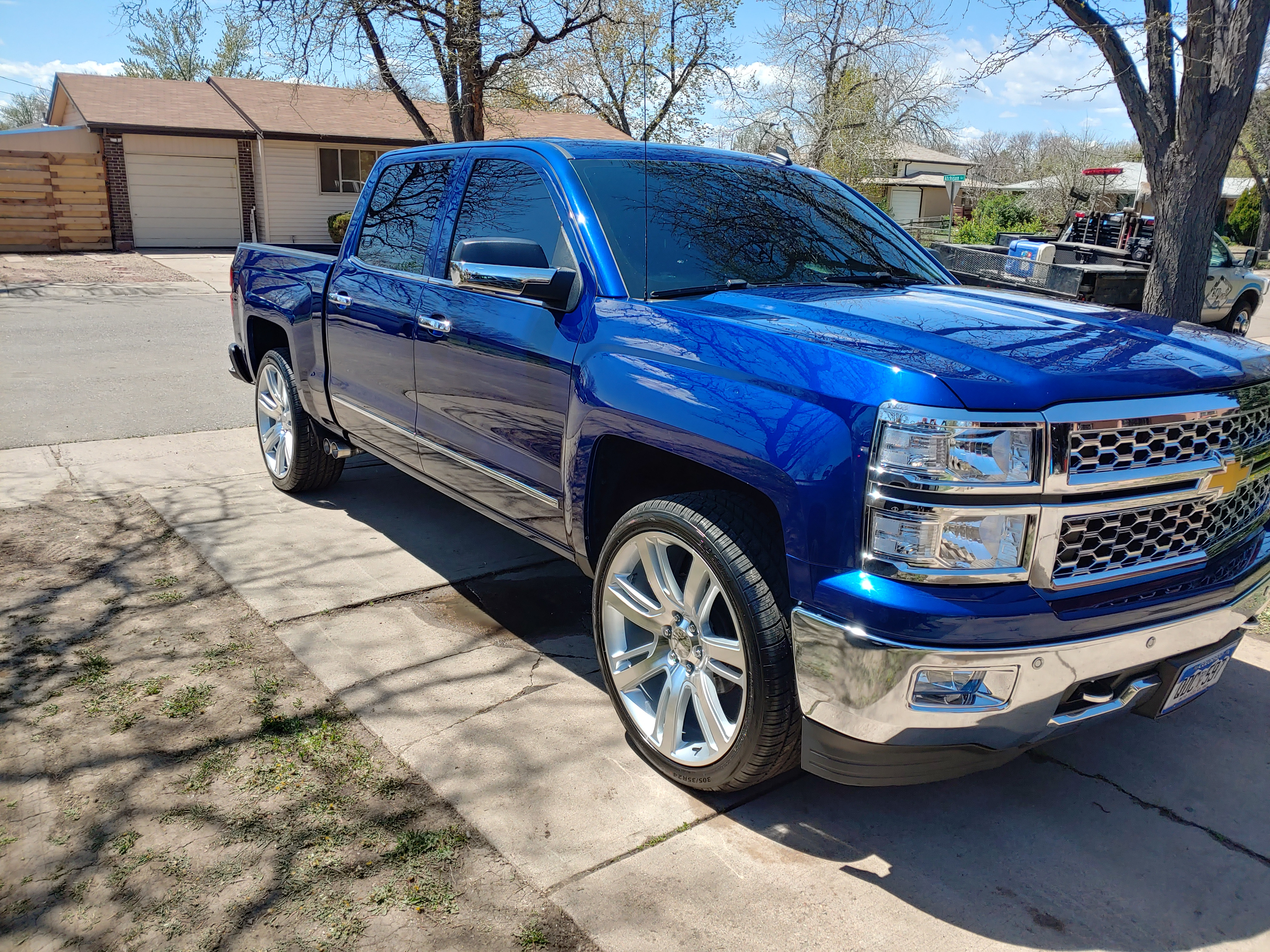 Exterior Detail Truck/2 Row Suv