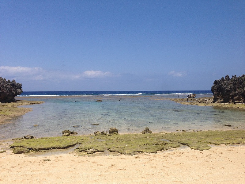 大潮干潮時のトケイ浜