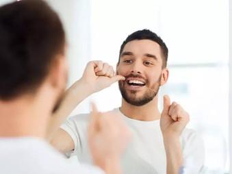 Kas paskatina atsirasti žaizdeles burnoje ir kada verta suklusti?