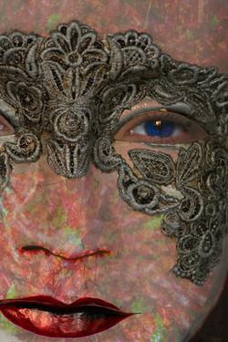 people_venetian_mask_pattern_large