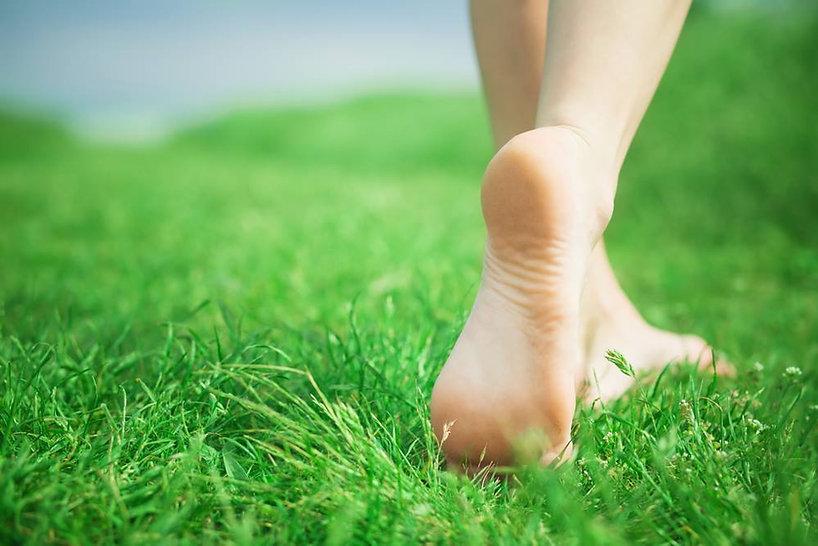 voeten_in_gras