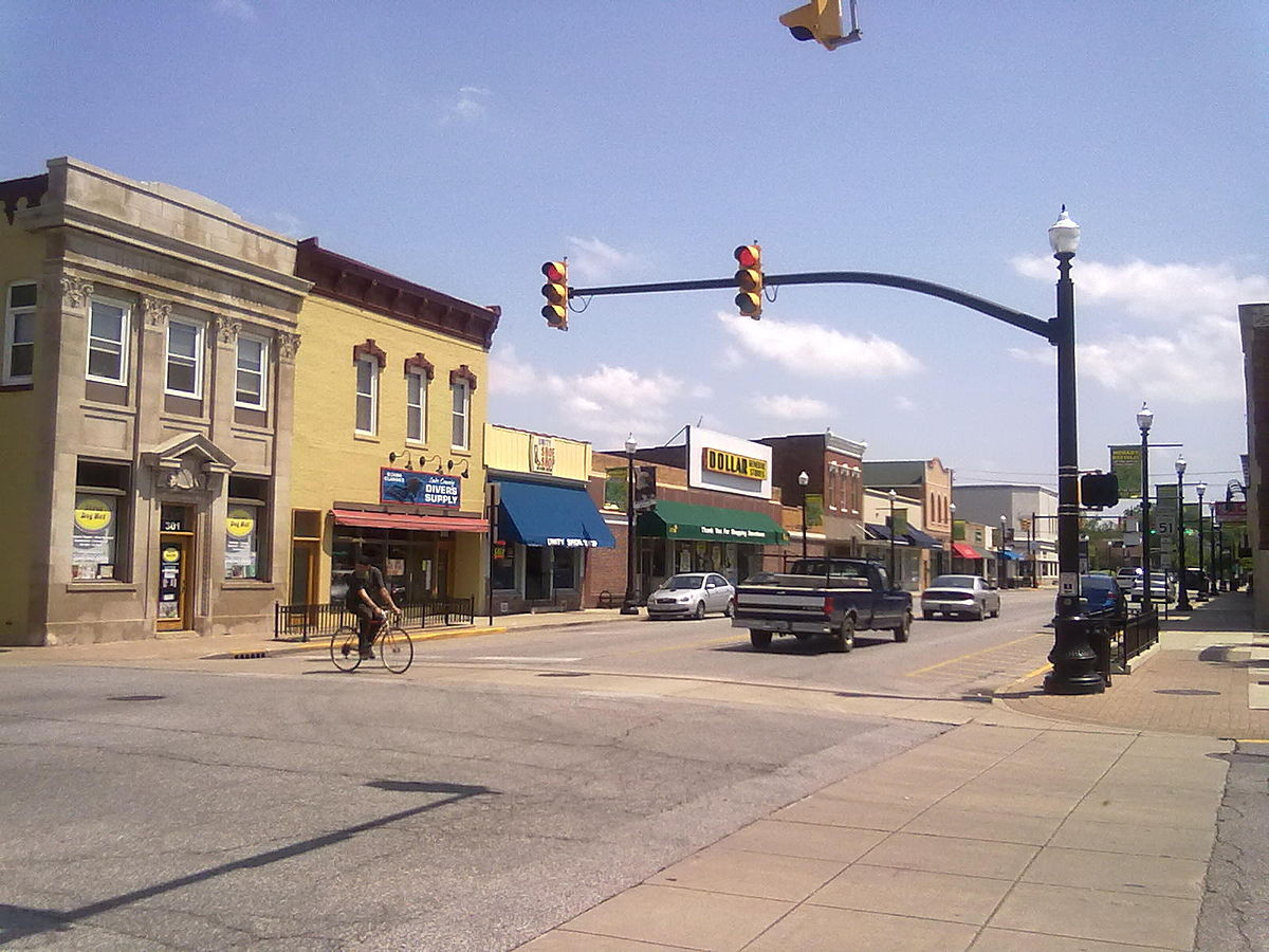 Main_Street_in_downtown_Hobart,_Indiana.