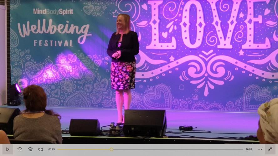 glenna speaking 2.jpg