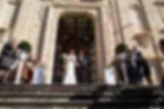 Nucleika rose rosse wedding all'uscita degli sposi dalla chiesa