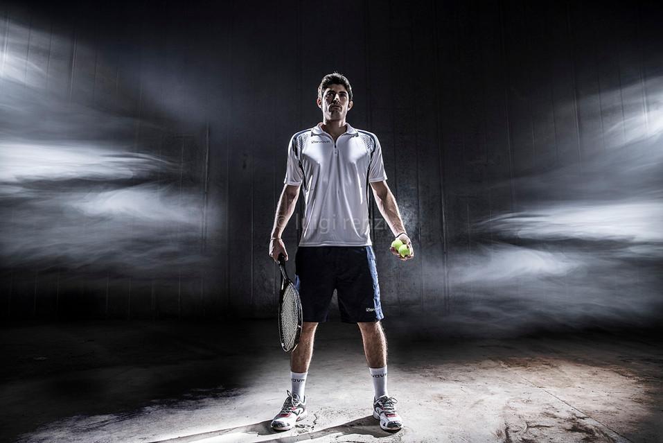 tennis racchetta nera.jpg