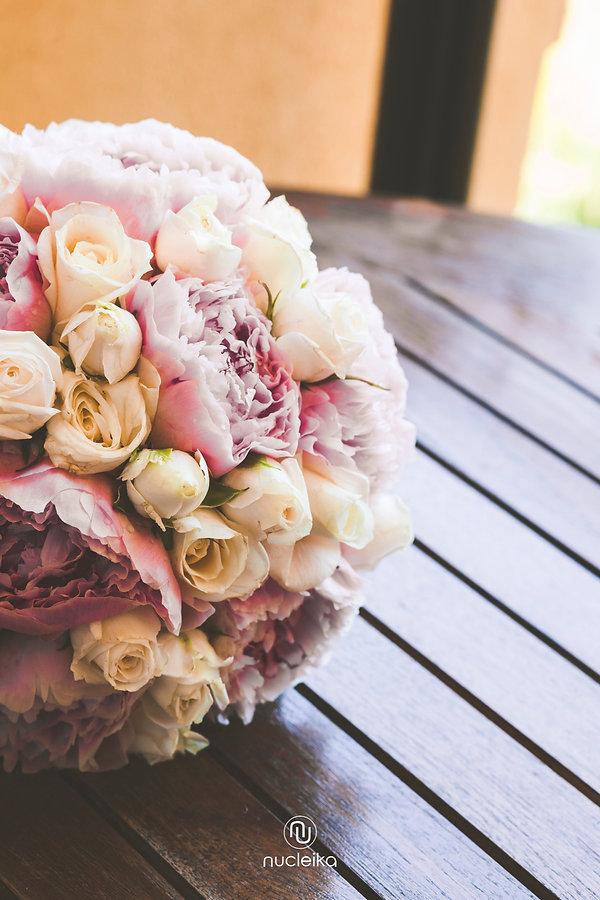 nucleika wedding bouquet