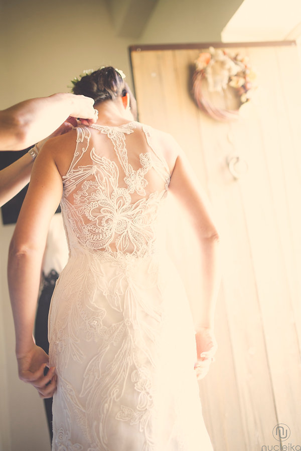 Nucleika wedding dress in castello camemi sicilia wedding photographer