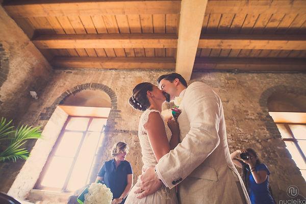 un bacio nel palazzo duchi di santo stefano Taormina sicilia