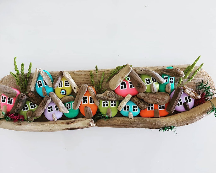 Renkli Küçük Taş Evler