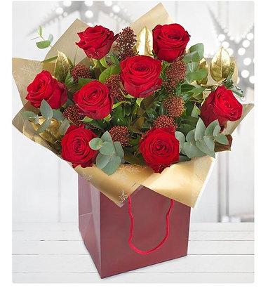 Red rose & skimmia handtie