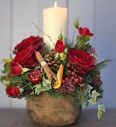 Red love candle arrangement