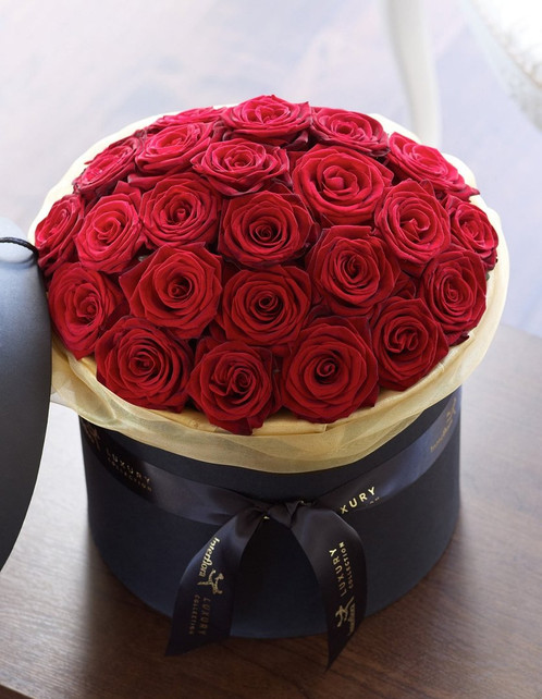 9d38ffb038a3 luxury red rose hat box
