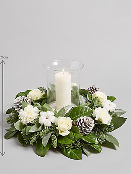Hurricane candle arrangement
