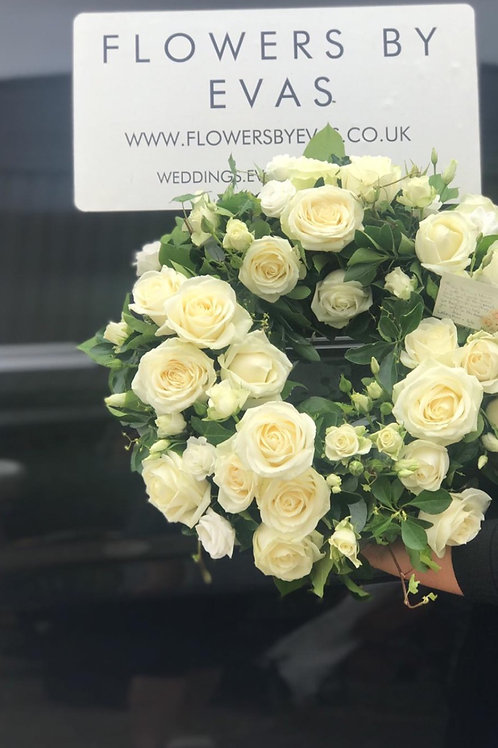 Traditional white wreath - 1001