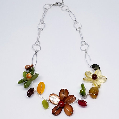 spice gem flower section necklace sw