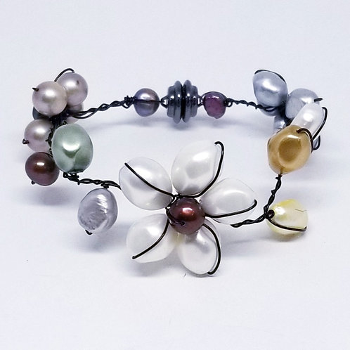 multi pearl flower bracelet bw