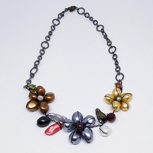 multi pearl flower section necklace bw