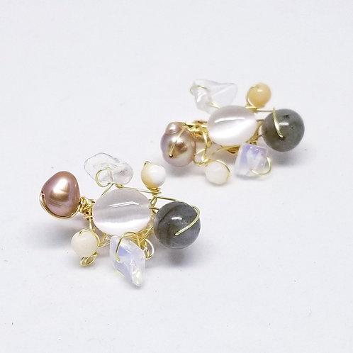 beiges gem cluster earring gw
