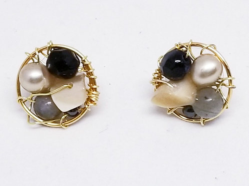 black beige gem button earring gw