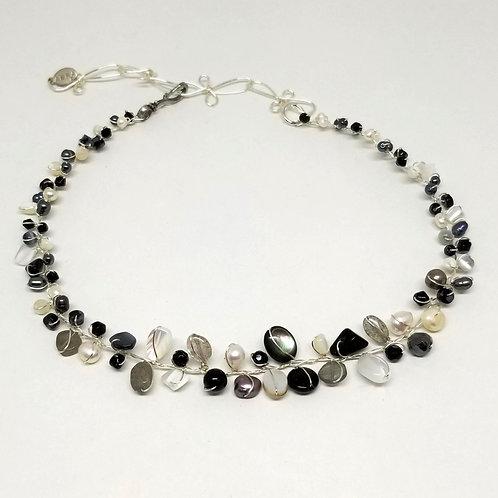 black white winter gem small collar sw