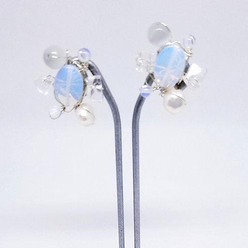 white moonstone clear gem cluster earring sw