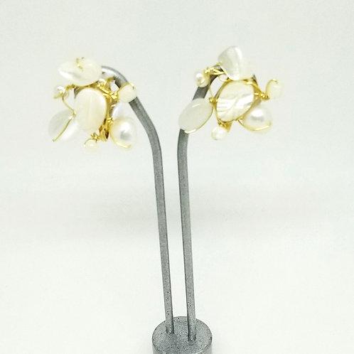 white pearl gem cluster earring gw