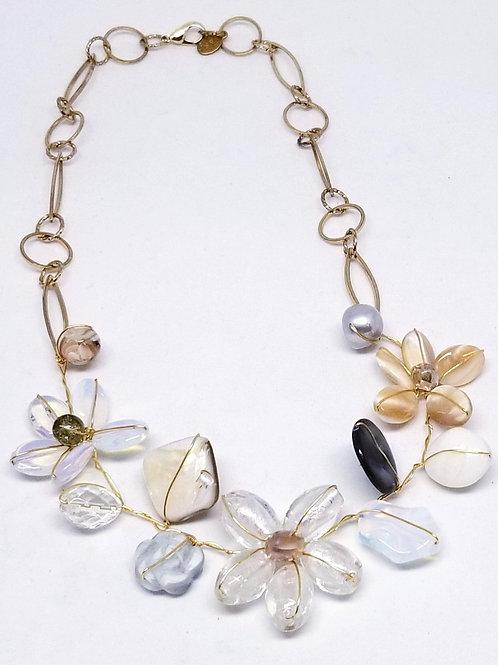 beiges gem flower section necklace gw