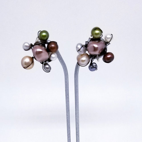 multi pearl cluster earring bw