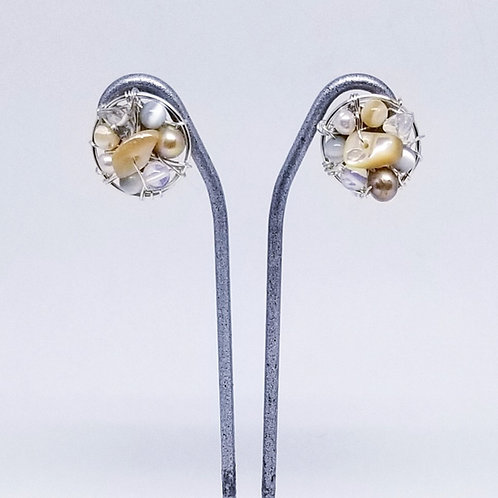 beiges gem button earring sw