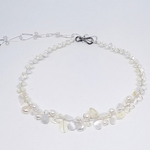 white pearl gem small collar sw