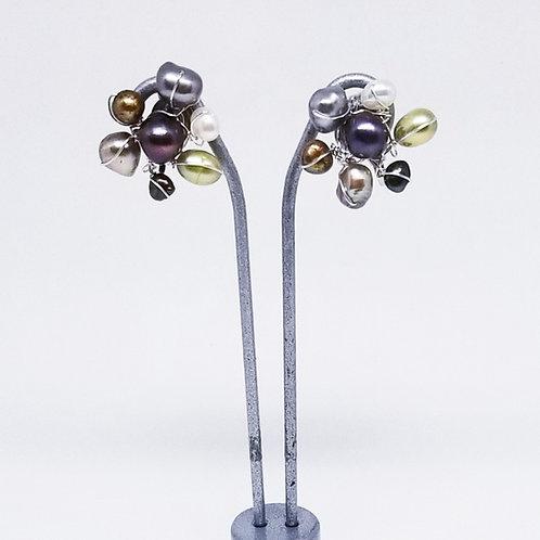 multi pearl cluster earring sw