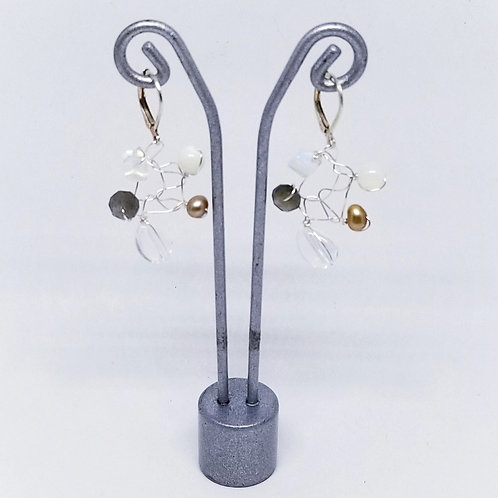 beiges gem web earring sw