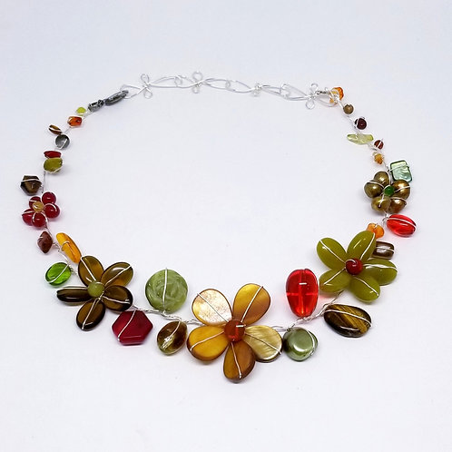 spice gem flower collar sw