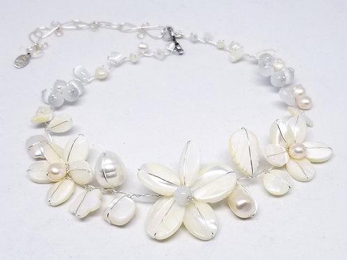 white pearl gem flower collar sw
