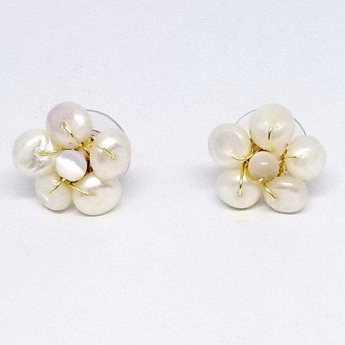 white pearl gem flower earring gw