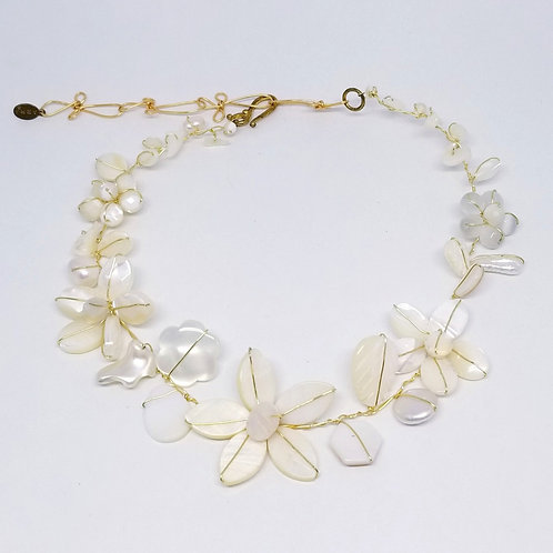 white pearl gem flower collar gw