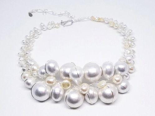 White Cottonball Jumbo collar sw