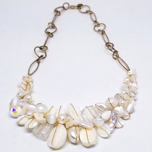 white pearl gem section necklace gw