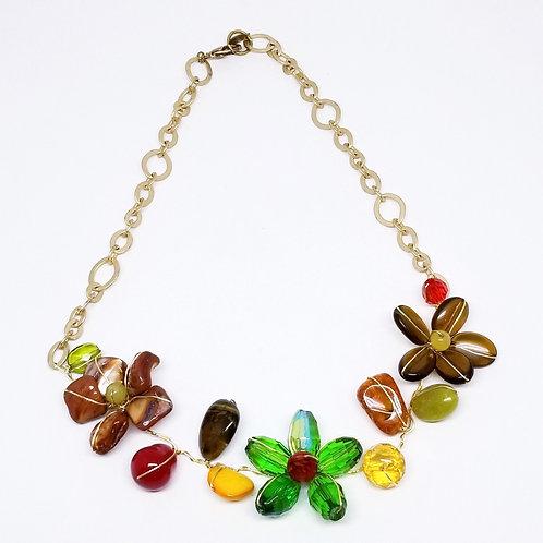 spice gem flower section necklace gw