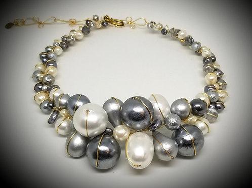 Grey White Cottonball Jumbo collar gw
